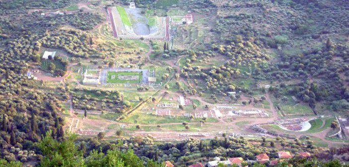 Η Αρχαία Μεσσήνη από την κορυφή της Ιθώμης