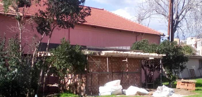 Οι υπό κατασκευή τουαλέτες, ανατολικά του ΔΗΠΕΘΕ Καλαμάτας, στην οδό Αριστομένους
