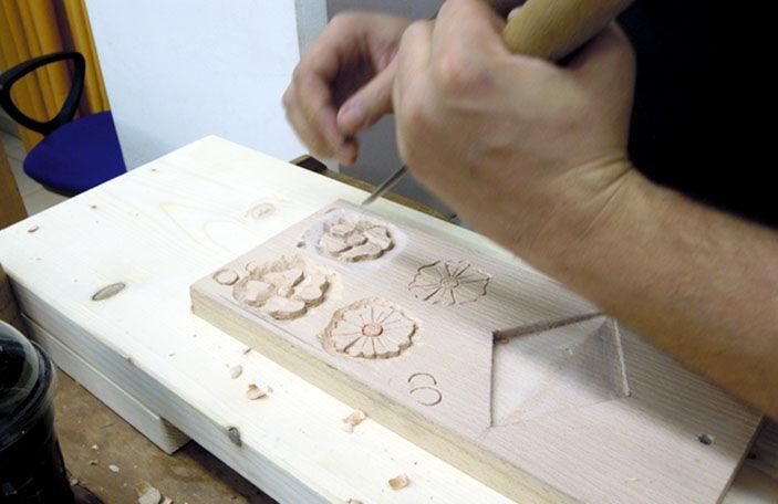 Από τα μαθήματα ξυλογλυπτικής στο ΚΕΚ