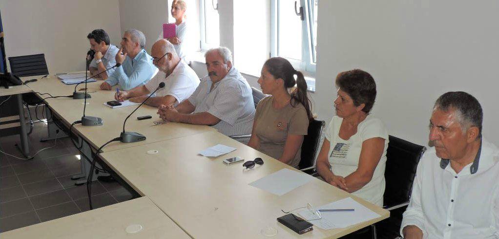 Παρόντες διευθυντές υπηρεσιών του Δήμου στην υποδοχή των 8μηνιτών