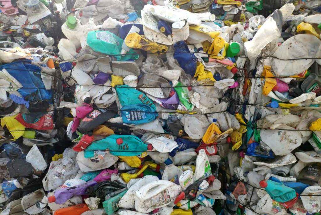 Πώς τα πλαστικά βλάπτουν τη Ζωή και το Περιβάλλον μας και γιατί η ανακύκλωση δεν είναι η λύση 4